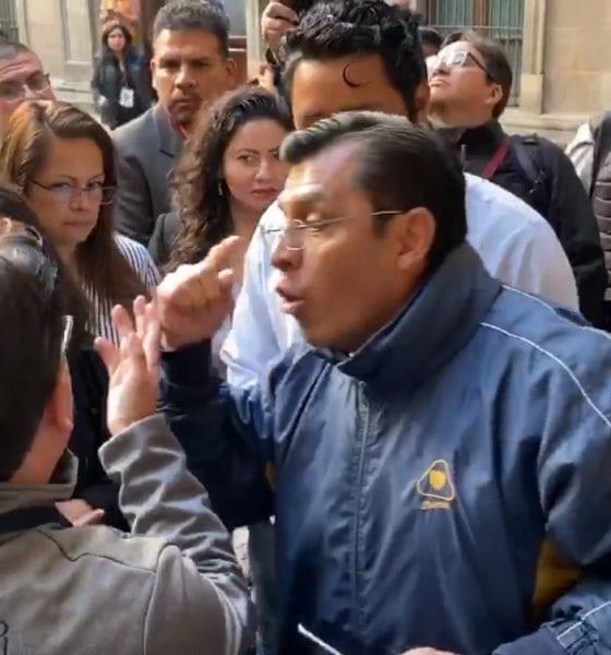 Discuten blogueros y reporteros en Palacio Nacional