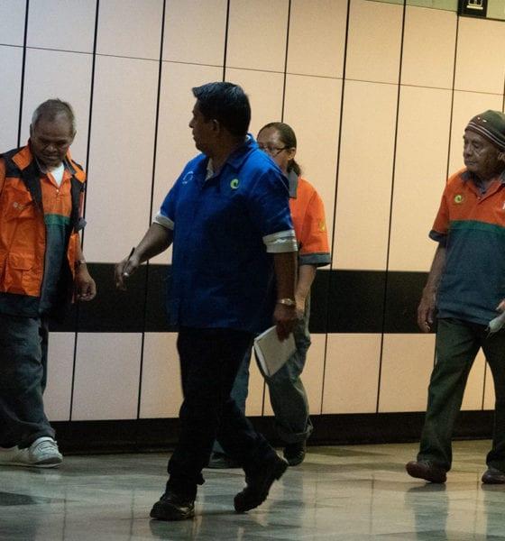 Metro de la CDMX manda a su casa a trabajadores de limpieza