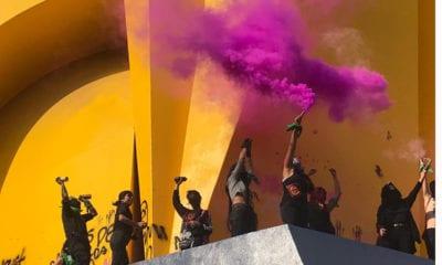 Mujeres marchan contra violencia; feministas vandalizan la CDMX