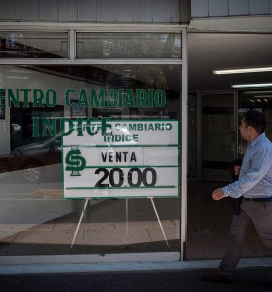 """Peso y Bolsa Mexicana recuperan terreno tras """"lunes negro"""""""