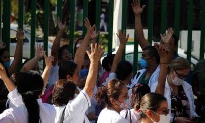 UNAM dotará de equipo médico a personal que atiende el Covid-19