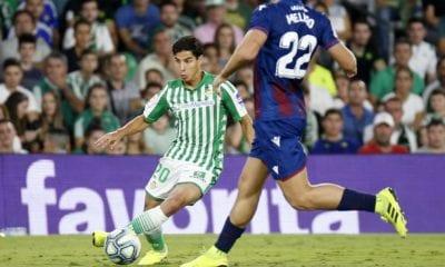 Molesta a Lainez críticas en contra de su familia. Foto: Real Betis