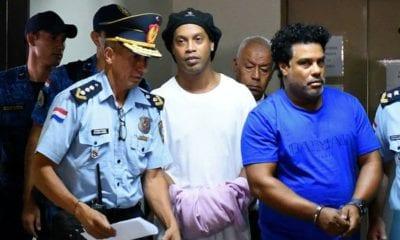 Ronaldinho abandona prisión