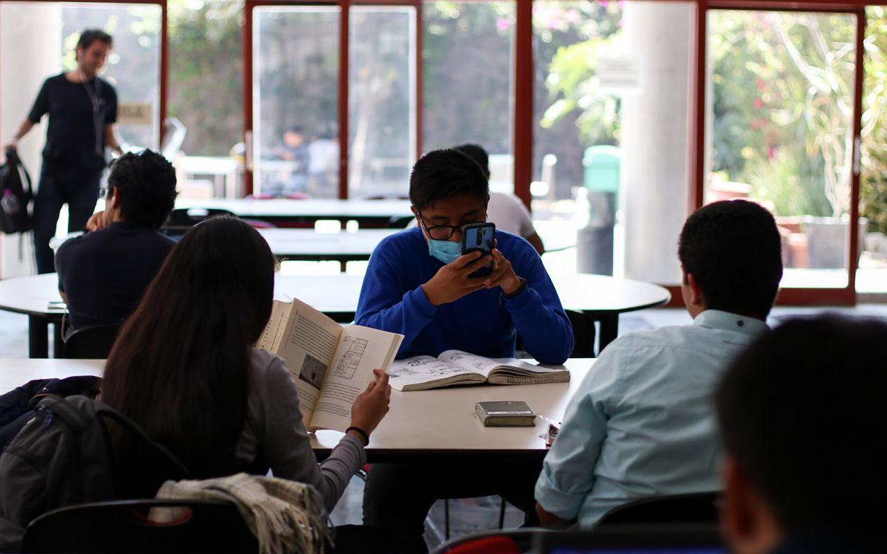 """UNAM será """"flexible"""" con alumnos que no atendieron actividades"""