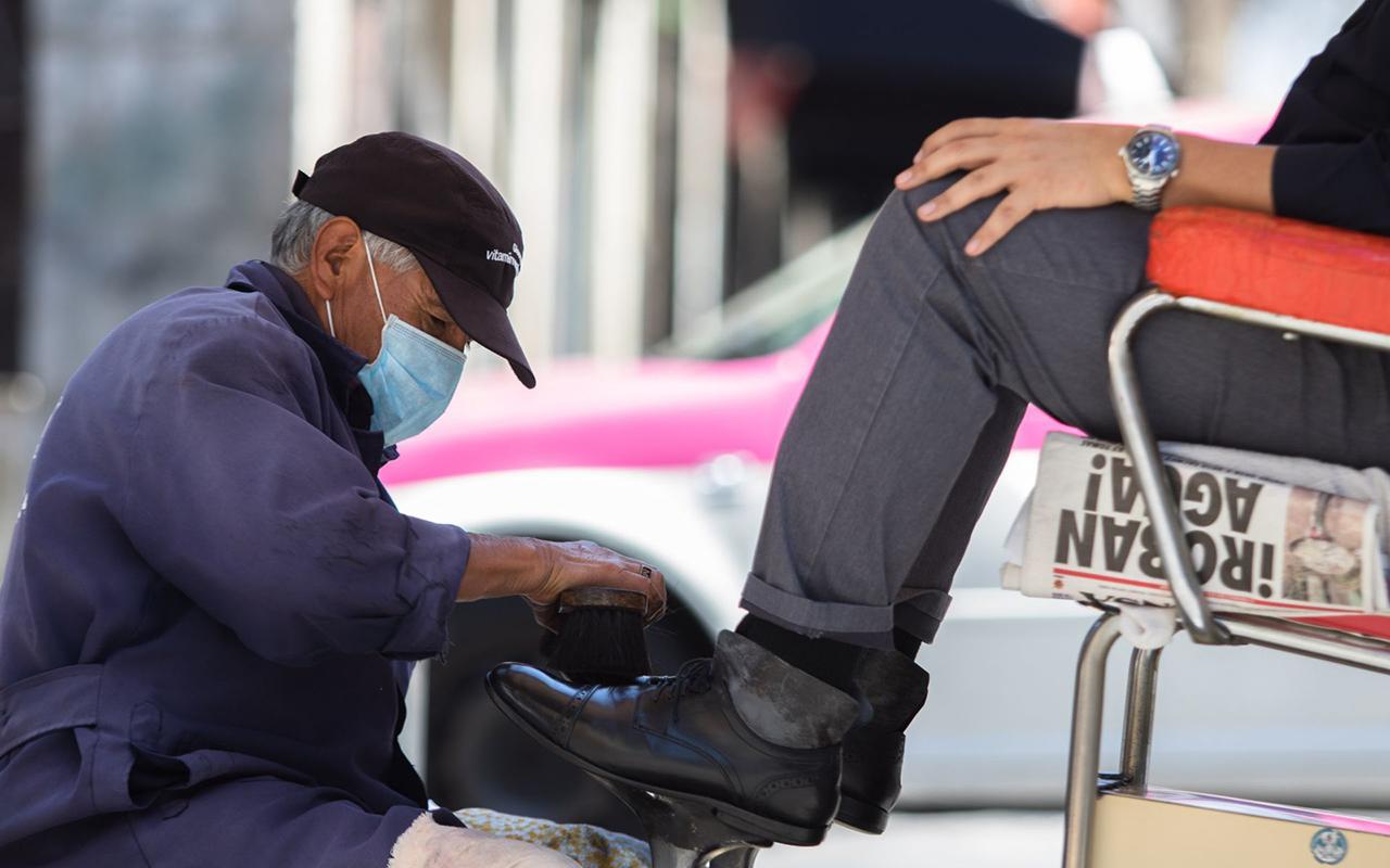 El 'consumo solidario' ayudará a reactivar la economía: especialistas