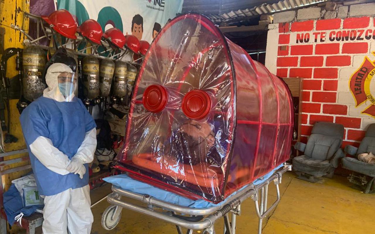 Bomberos de Zitácuaro cápsula de aislamiento por Covid-19