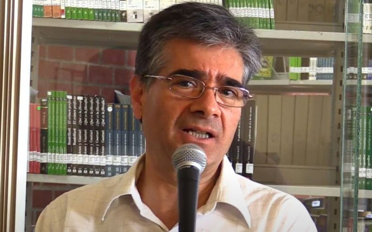 Se suicida catedrático de Uruapan y culpa a AMLO de esta decisión