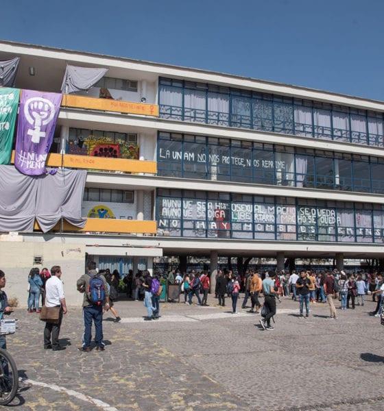 Paristas entregan Facultad de Filosofía y Letras