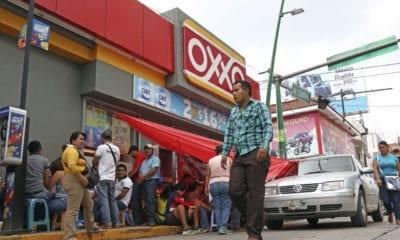 Limitan días de depósitos y retiros en OXXO y farmacias