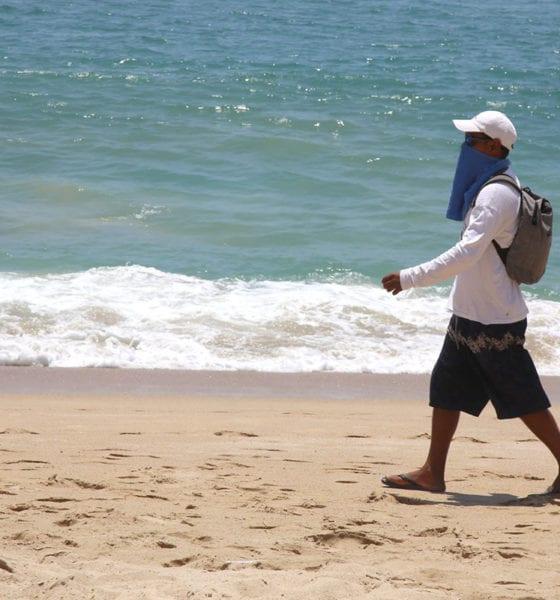Oaxaca cierra playas y restringe venta de alcohol