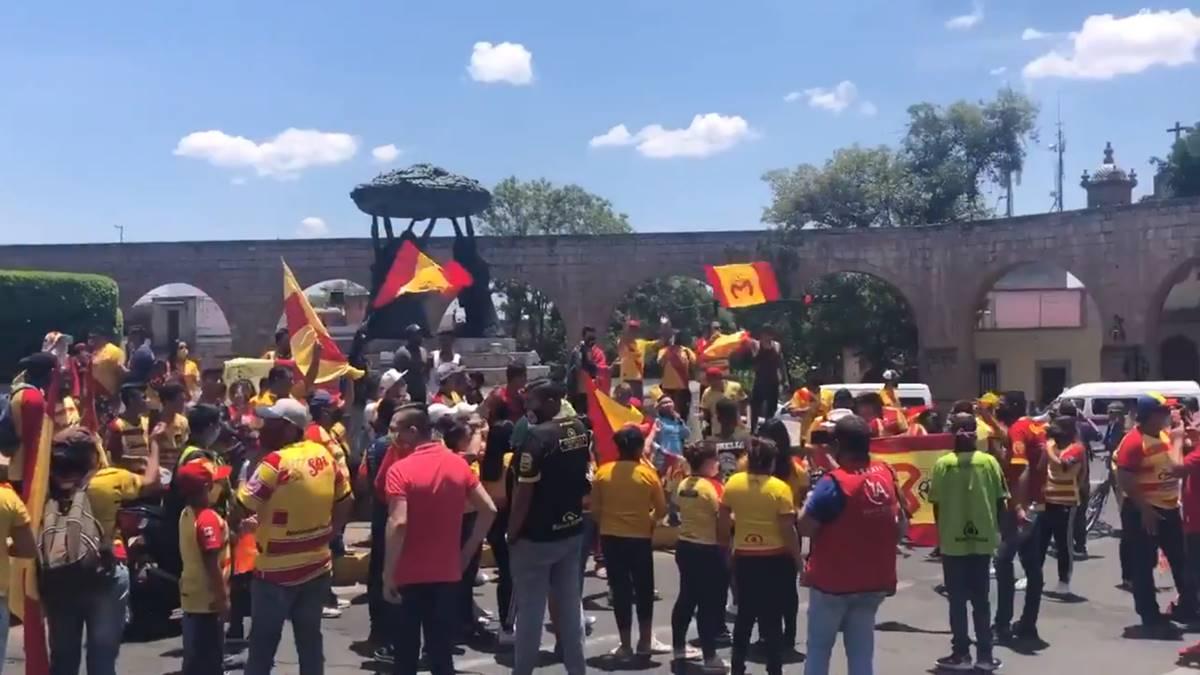 Aficionados de Morelia se manifiestan. Foto: Twitter