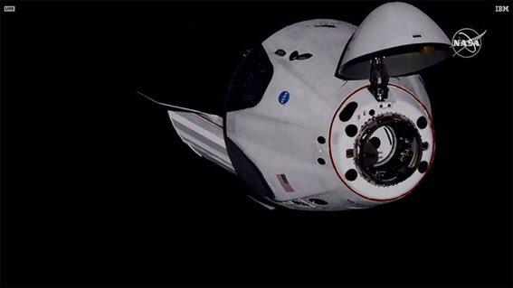 Cápsula Dragón se acopla a la Estación Espacial Internacional. Foto: Nasa