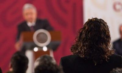 López Obrador defiende a la mujer como humanista no como feminista