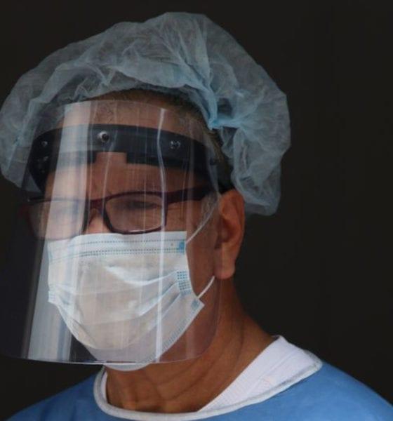 ECOCE regala al sector médico miles de caretas de PET reciclado