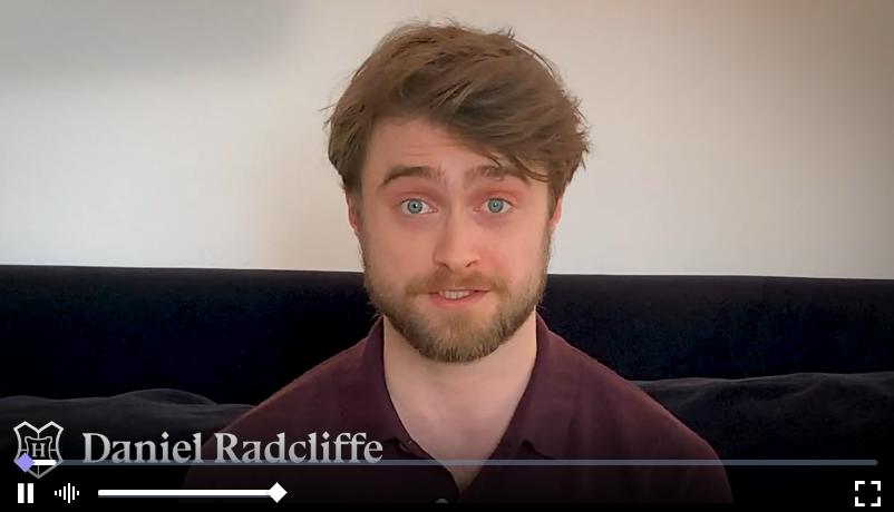 Daniel Radcliffe lectura de Harry Potter