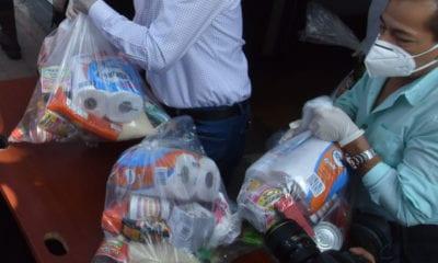 Diputados entregan despensas, cubrebocas y mascarillas a la población que los necesita