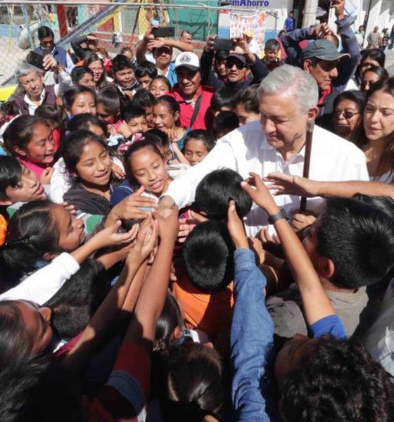 Justo en los días más críticos de la pandemia, el Presidente Andrés Manuel López Obrador anunció que en cuanto se reanuden las actividades productivas, volverá a recorrer el país, porque quiere dar el banderazo del inicio de obras del Tren Maya, la construcción de la refinería en Dos Bocas, Tabasco y la reconversión de las seis refinerías restantes.
