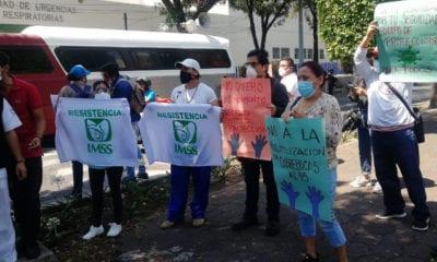 Médicos y enfermeras que atienden a pacientes Covid denuncian la carencia de insumos
