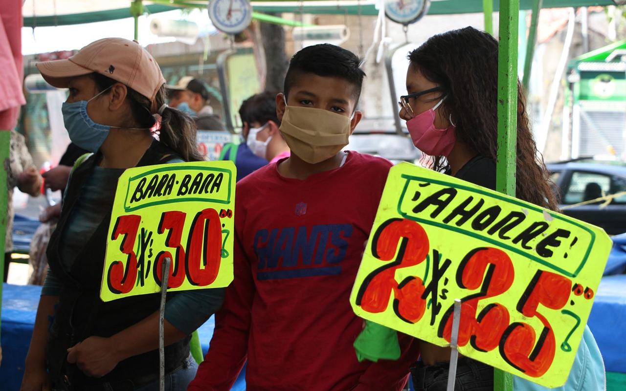 Tianguistas de la Ciudad de México afectados por el Covid podrán acceder a créditos de 25 mil pesos