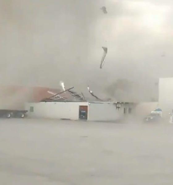 Tornado sorprende a Nuevo León