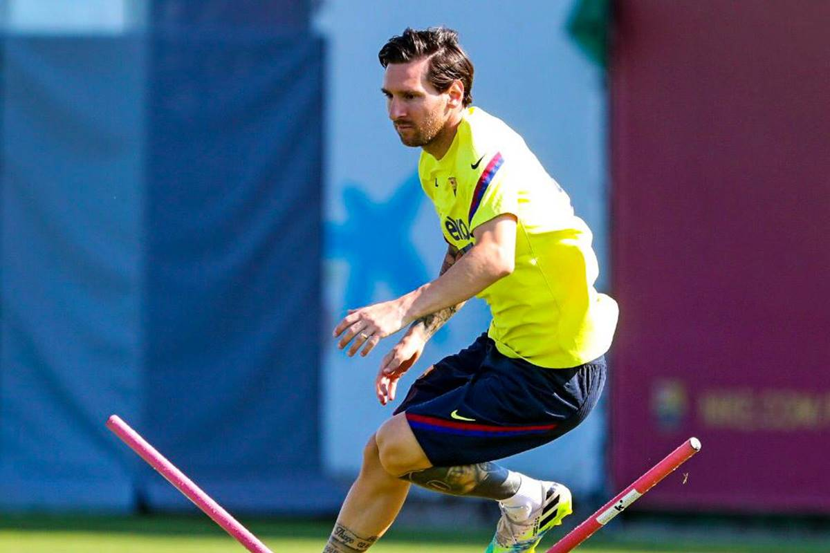 Messi y Griezmann, a punto de llegar a los golpes. Foto: Twitter Barcelona