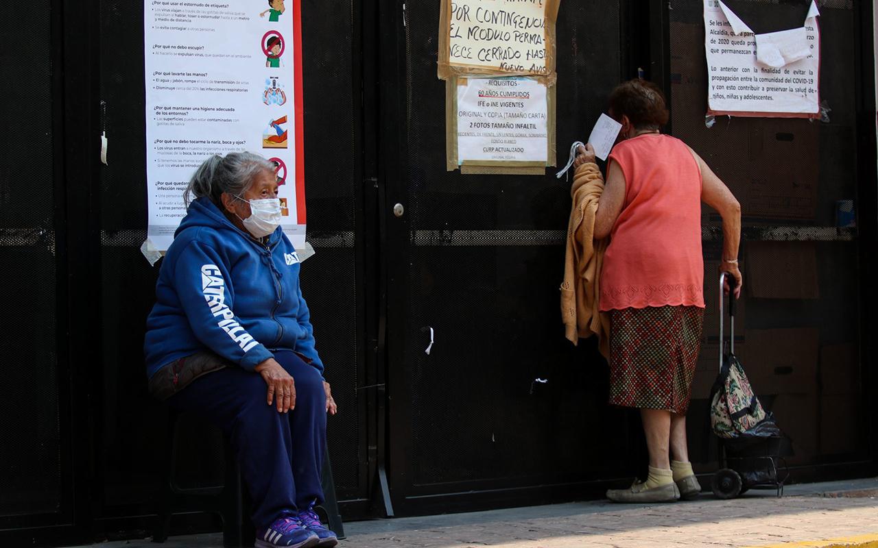 Se va a revisar el papel de las Afores en el manejo de las pensiones: AMLO