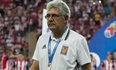 Tuca Ferretti podría salir de Tigres. Foto: Cuartoscuro