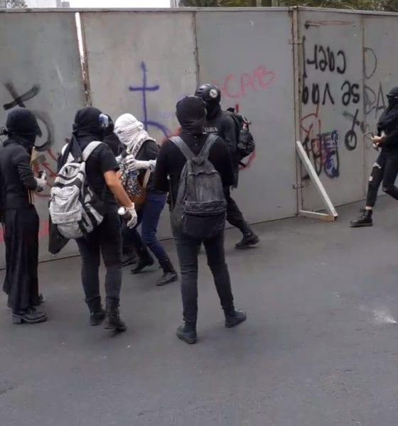 Regresan anarquistas a la CDMX; Policía no puede responder agresiones