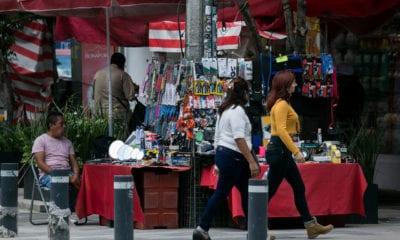 Pandemia de Covid-19 le pega al comercio informal