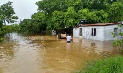 Por inundaciones, Ejército evacúa a pobladores de Campeche y Yucatán