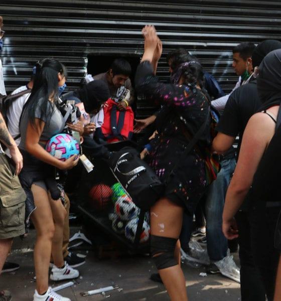 Declaran por robo a tienda atacada por anarquistas