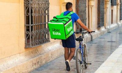 Uber donará viajes y comidas a policías (PIXABAY)