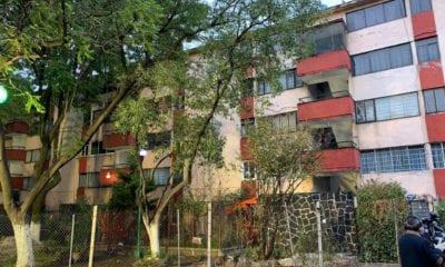 Llevan a familias a hoteles por riesgo en departamentos dañados por el sismo