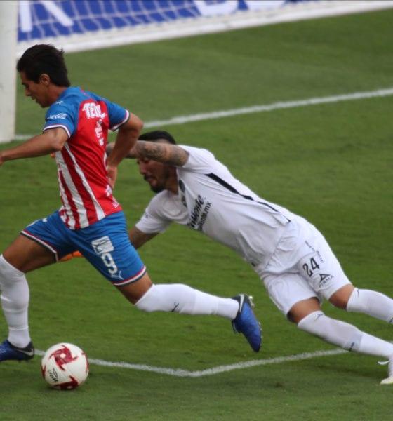 Chivas vapulea a Mazatlán y avanza a semifinales. Foto: Chivas
