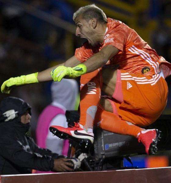 Explota Nahuel Guzmán en contra de la Liga MX. Foto: Tigres
