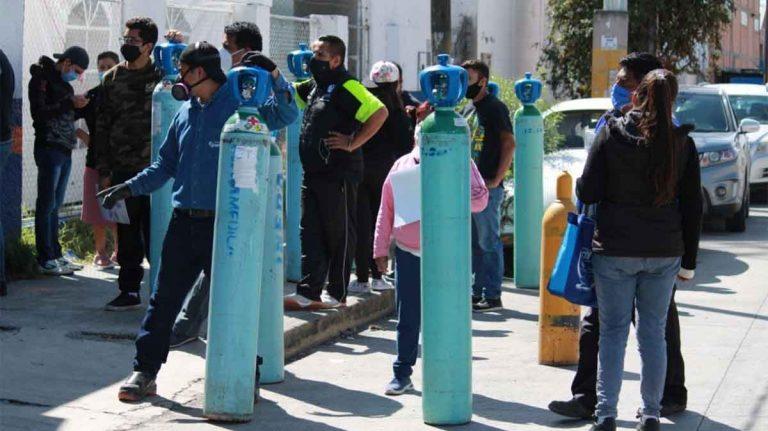 Hacen filas para comprar oxígeno. foto: Twitter