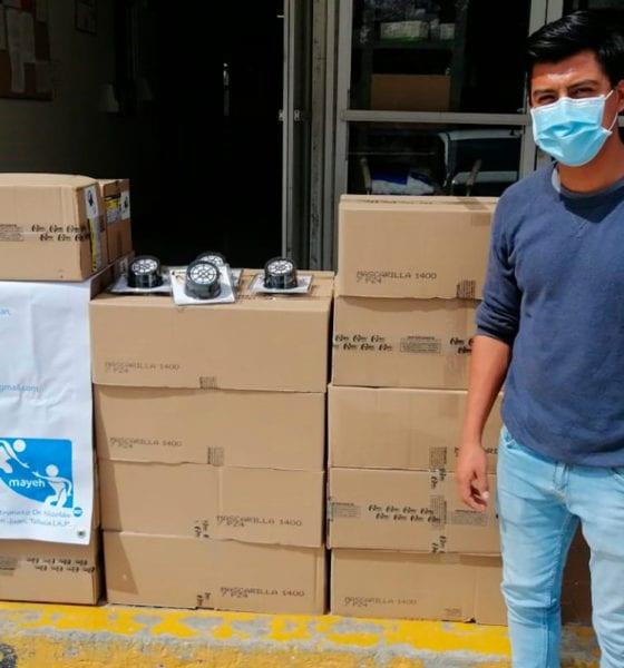 Regalan mascarillas a personal médico del Estado de México