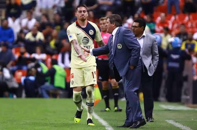 Miguel Herrera firme en América. Foto: Twitter Miguel Herrera