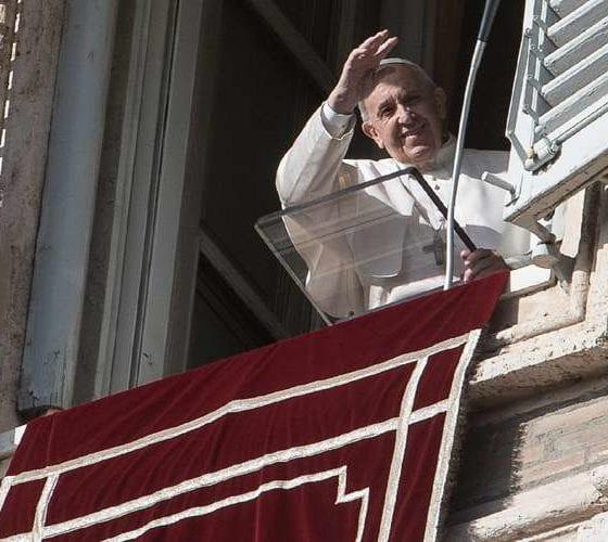 Papa Francisco desde la basílica. Foto: Vatican News