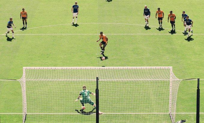 Raul Jiménez imparable. Foto: Wolverhampton