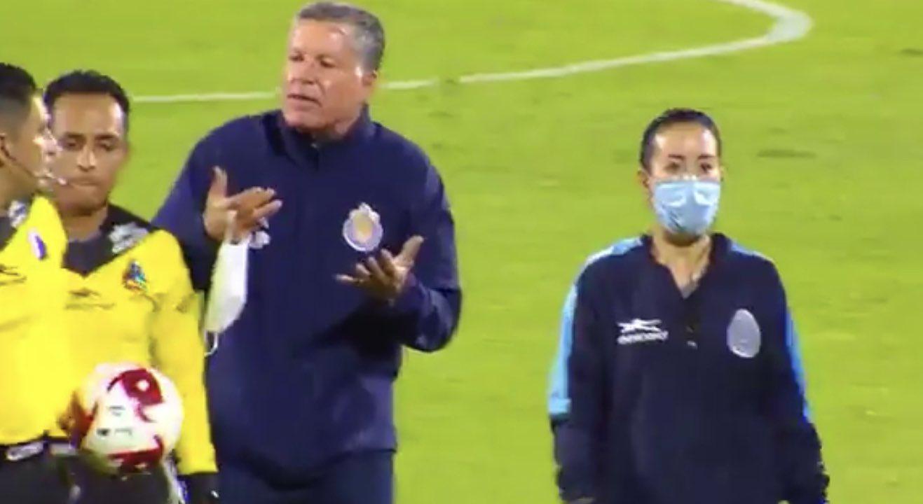 Ricardo Peláez se defiende. Foto: Twitter