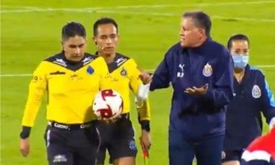 Ricardo Peláez viola medidas sanitarias. Foto: Twitter