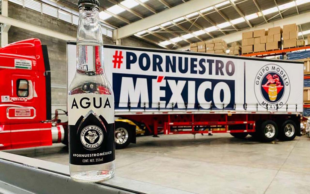 Grupo Modelo dona 60 mil botellas de agua al DIF de Oaxaca