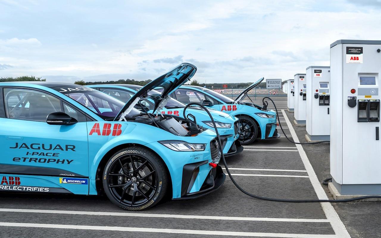 ¿Cómo recargar tu automóvil eléctrico?