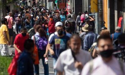 Desconfinamiento acelerado contribuye al repunte de Covid en México