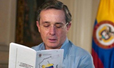 Ordenan detención del expresidente colombiano Álvaro Uribe
