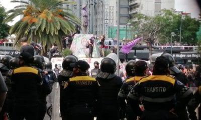 Feministas vandalizan en la Ciudad de México. Foto: Israel Lorenzana