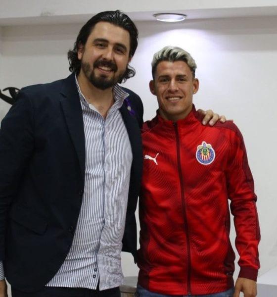Jugador de Chivas en fiesta. Foto: Twitter Chivas