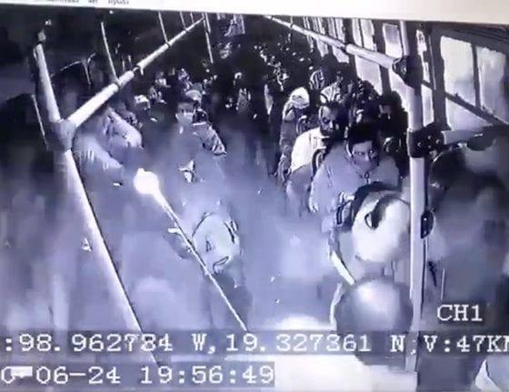 Un policía asesinó a ladrón. Foto: Twitter