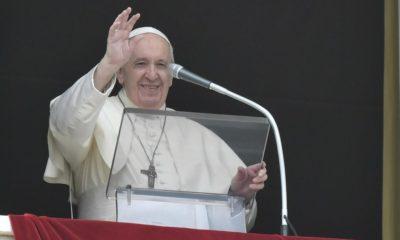 Papa Francisco en su balcón. Foto: Vatican News